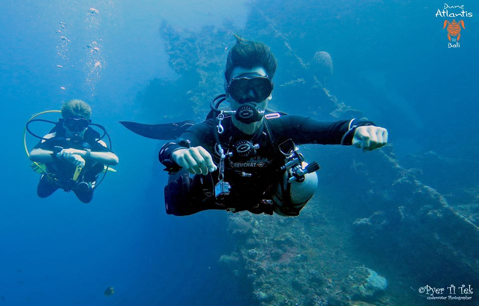 Venez explorer la mystérieuse épave bali tulamben